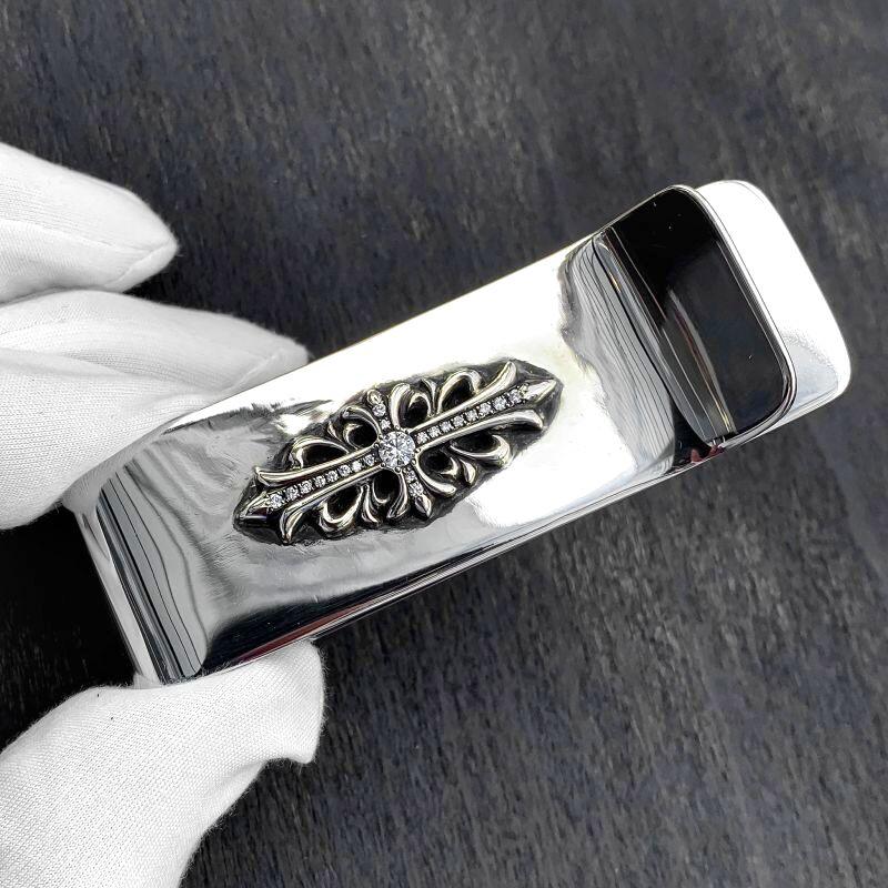 クロムハーツ フローラルクロス マネークリップのダイヤカスタム